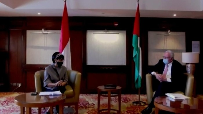 Tangkapan layar Menlu RI Retno Marsudi dan Menlu Palestina Riyad al-Maliki