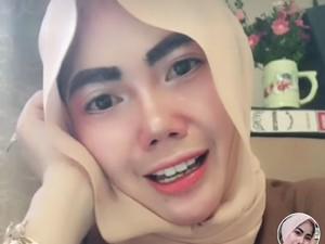 Most Pop Sepekan: Viral PNS Makeup Ala Barbie, Dibilang Kayak Mau Kondangan