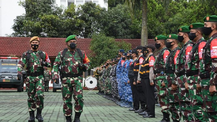 TNI-Polri dikerakan melakukan pelacakan pasien Corona di Jabar