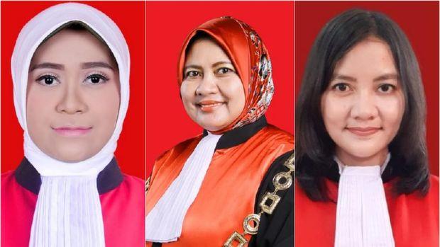 Trio Srikandi PN Sukadana yakni Etik Purwaningsih (tengah(, Ratna Widianing Putri (kiri), dan Liswerny Resngsina Debataraja (kanan) menjatuhkan hukuman kebiri kepada predator seksual Dian Ansori (dok Istimewa)
