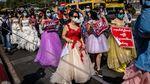 Puluhan Wanita Bergaun Pengantin Ikut Protes Kudeta Myanmar