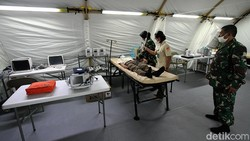 Rumah sakit darurat COVID-19 TNI AD hampir siap digunakan. RSD ini bisa menampung 100 tempat tidur pasien dengan 100 tenaga kesehatan yang siap melayani.