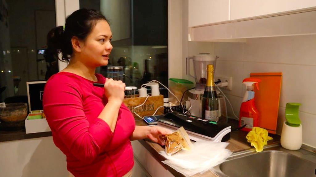Bikin Pesanan Rendang 15 Kg di Belanda, Wanita Ini Raup Rp 9 Juta!