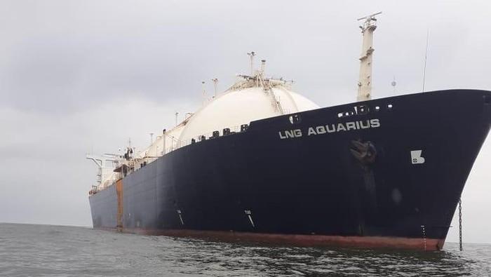Kapal LNG Aquarius milik tersangka dugaan korupsi Asabri, Presiden Trada Alam Minera Heru Hidayat yang disita Kejaksaan (Foto: dok. Istimewa)