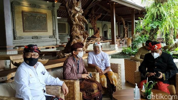 Menparekraf Sandiaga Uno menghadiri Rakerda PHRI Bali di Taman Dedari Restoran, Ubud, Gianyar, Kamis (11/2/2021) (Tim detikcom)