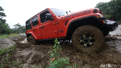 Menjajal Jeep Wrangler Rubicon di Jalan dan Medan Berlumpur