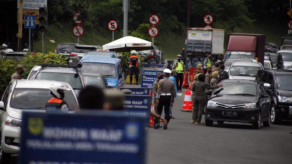 Penyekatan Wisatawan di Jalur Wisata Puncak Bogor