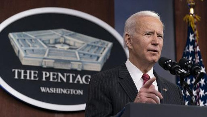 President Joe Biden speaks at the Pentagon, February 10, 2021, in Washington, DC. - Harris and Biden are visiting the Pentagon for the first time since taking office. (Photo by Alex Brandon / POOL / AFP)