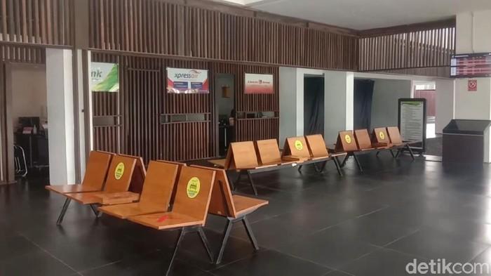 Bandara Banyuwangi kembali ditutup sementara seiring dampak abu vulkanik erupsi Gunung Raung.