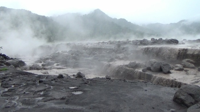 Gunung Semeru diguyur banjir lahar hujan ke sejumlah daerah Aliran Sungai (DAS)