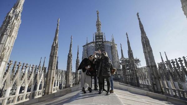Katedral Milano adalah salah satu bangunan paling populer di seluruh Eropa.