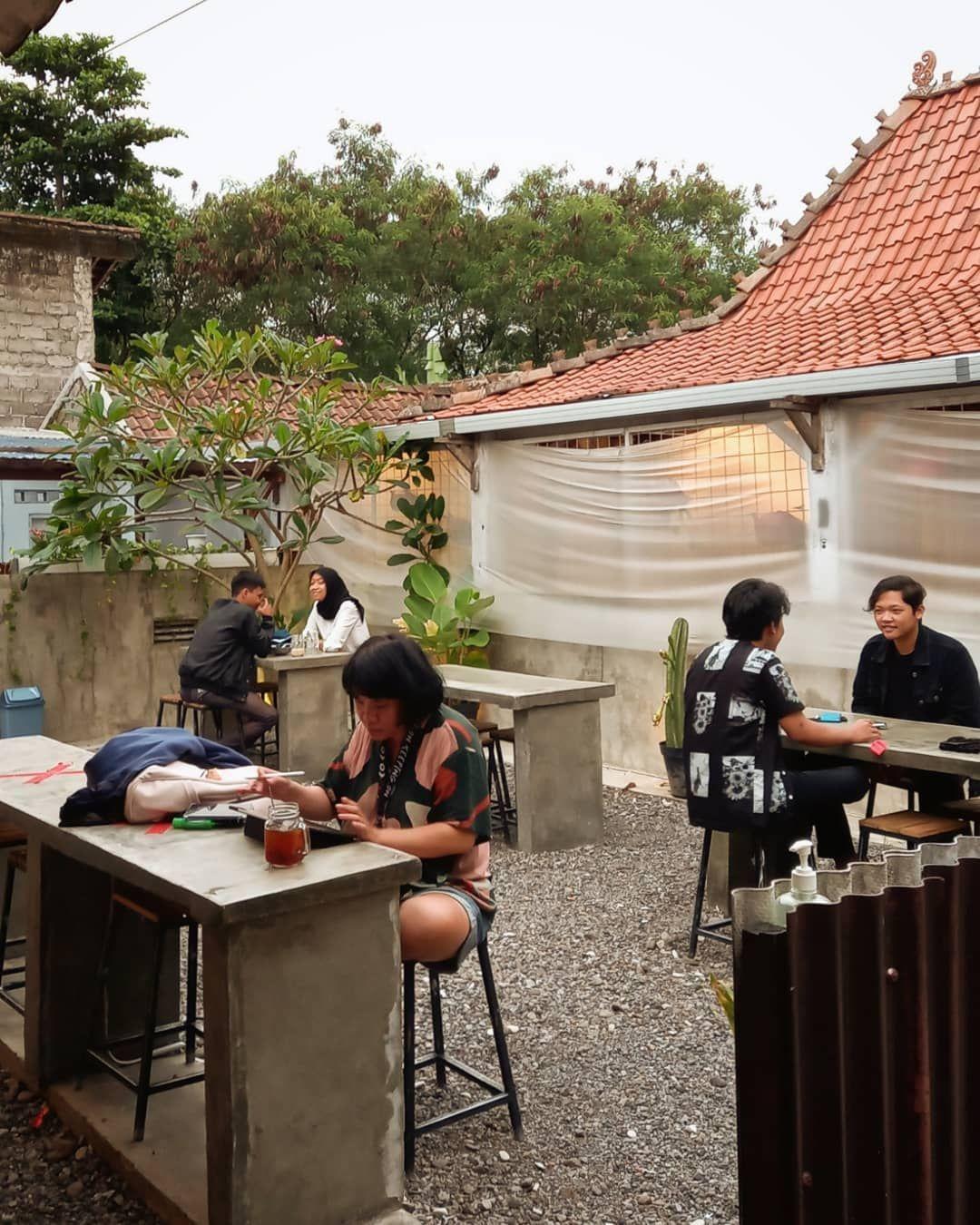 Kedai di Yogyakarta Ini Jual Puluhan Merek Teh Lokal Indonesia