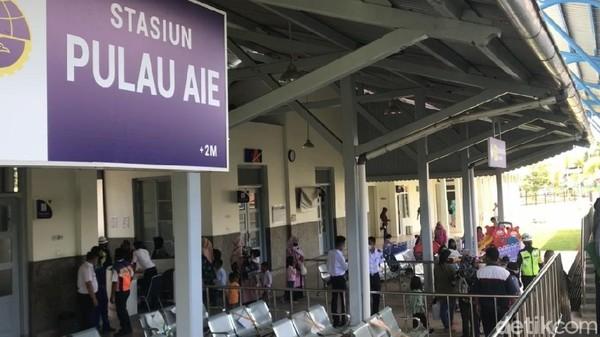 Kalau biasanya hanya relasi Bandara Minangkabau-Stasiun Padang, sekarang diperpanjang menjadi Bandara Minangkabau-Stasiun Pulau Aie