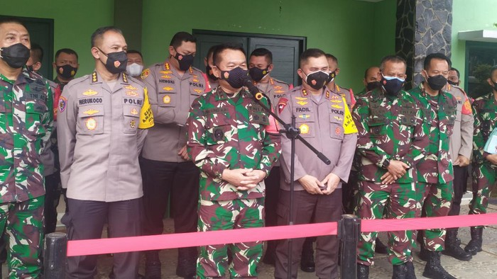 Rakor Kapolda Metro Jaya-Pangdam Jaya bahas PPKM Mikro (Luqman-detikcom)
