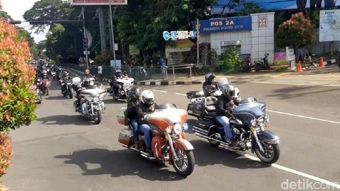 Rombongan moge terpantau lolos ganjil genap dan surat antigen di Bogor