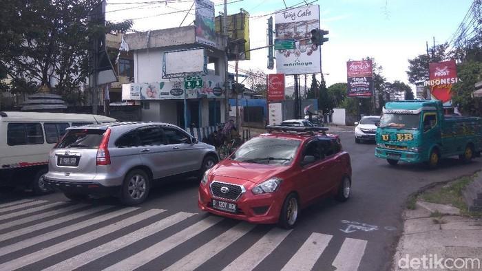 Volume kendaraan menuju kawasan wisata Lembang naik 10 persen