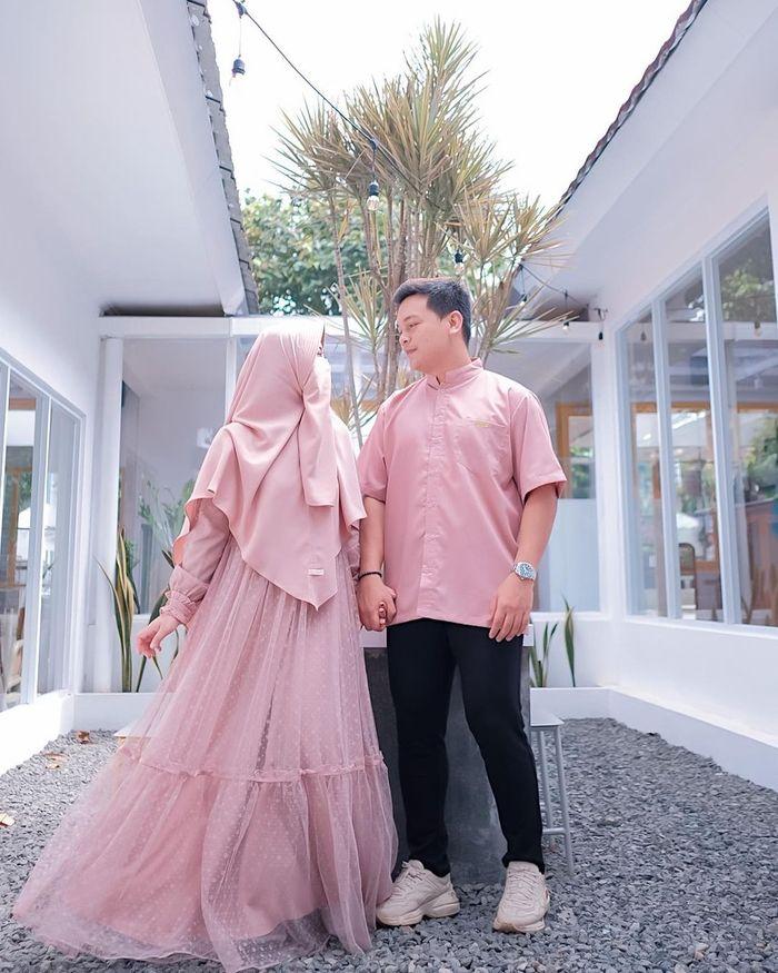 So Sweet! Momen Romantis Wardah Maulina dan Natta Reza saat Makan Berdua