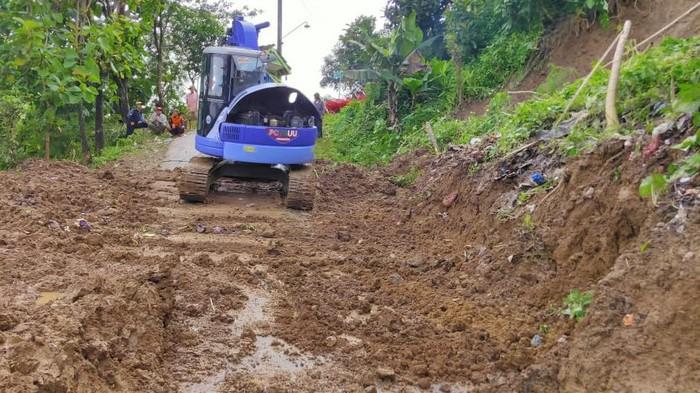 Kondisi longsor di Dukuh Kambangan, Desa Menawan, Kecamatan Gebog, Kudus, Sabtu (13/2/2021).