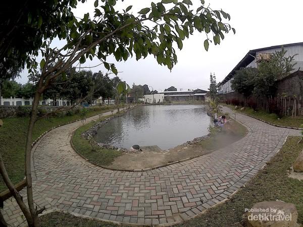 Danau Taman Cinta Masjid