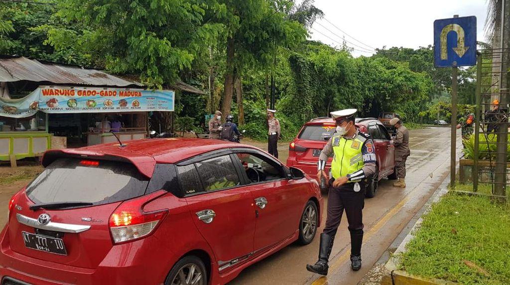 Akses ke Kukar Dibatasi demi Cegah Corona, Ratusan Kendaraan Putar Balik