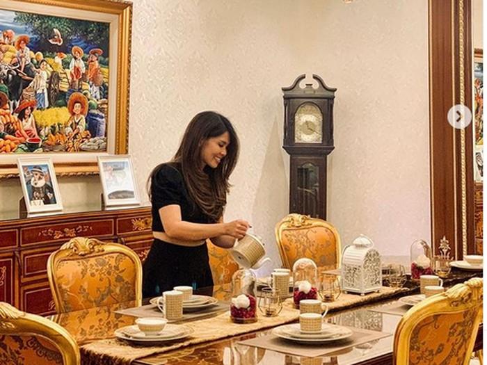 Mewah! Crazy Rich PIK, Helena Lim Hobi Makan di Paris dan Bali