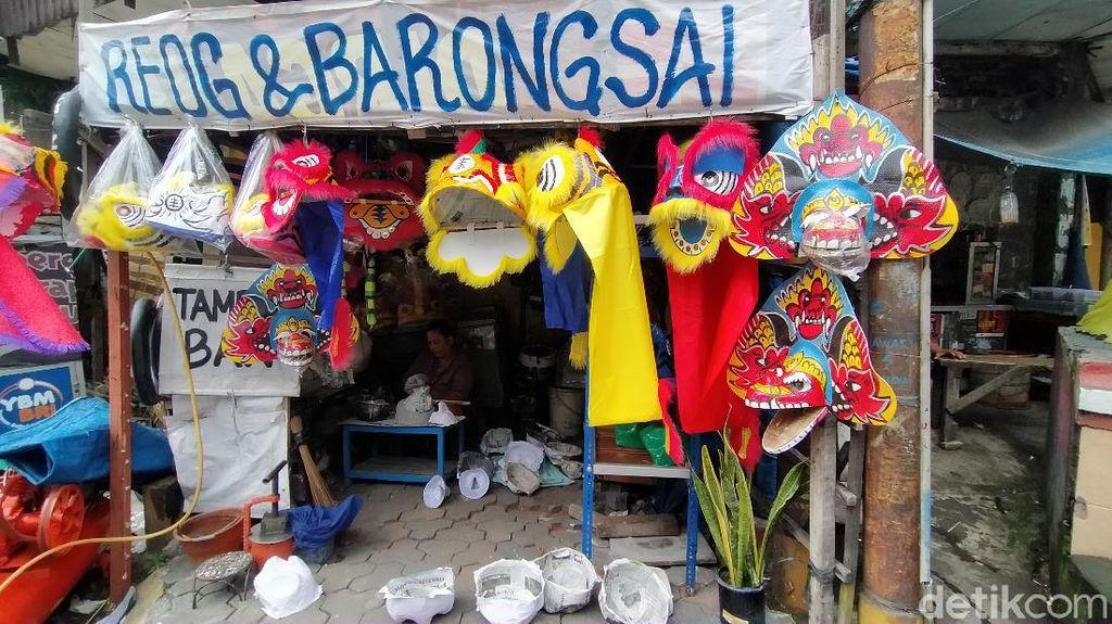 Curhat Perajin Topeng Barongsai Surabaya Sepi Pesanan Selama Pandemi COVID-19