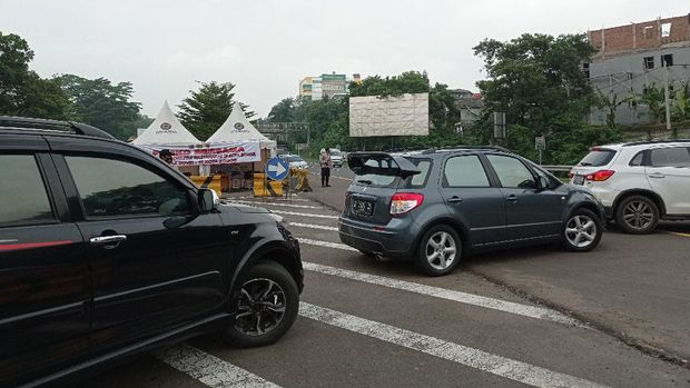 13 Kendaraan Diputar Balik Lantaran Langgar Ganjil Genap di Bogor