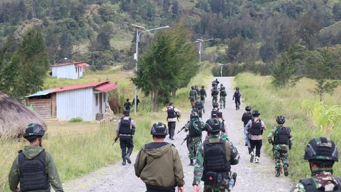 Baku tembak TNI-Polri dengan KKB di Puncak Papua (Foto: dok. Humas Polda Papua)