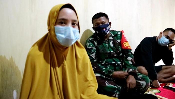 Guru Honorer di Bone yang Dipecat Gegara Posting Gaji Berharap Kembali Mengajar (Foto: Zulkipli/detikcom)