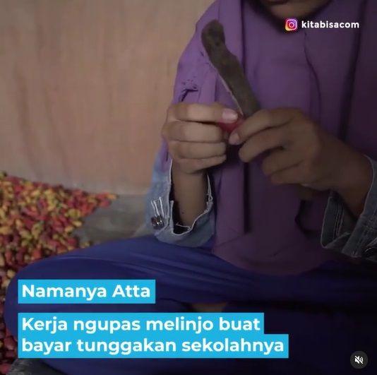 kisah pelajar jadi tukang kupas melinjo