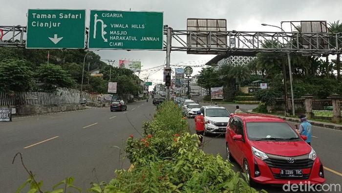 Lalu lintas puncak Bogor arah Jakarta (Sachril/detikcom)