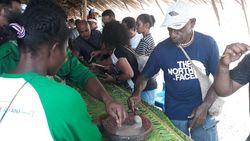 Tak Boleh Pulang dari Papua Sebelum Makan Papeda