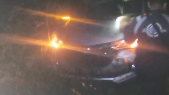 Mobil tersesat di hutan kawasan Gunung Putri, Majalengka.