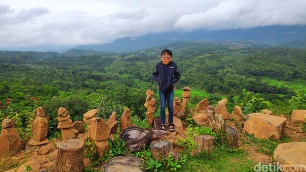 Selain wisata balon udara, wisatawan juga bisa menikmati keindahan alam Sulawesi Selatan.