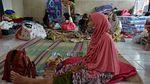 Ratusan Warga Mengungsi Akibat Tebing di Garut Longsor