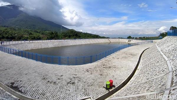Lokasi Embung Sekembang berada di Desa Pagergunung, Kecamatan Ngablak, Kabupaten Magelang, Jawa Tengah.