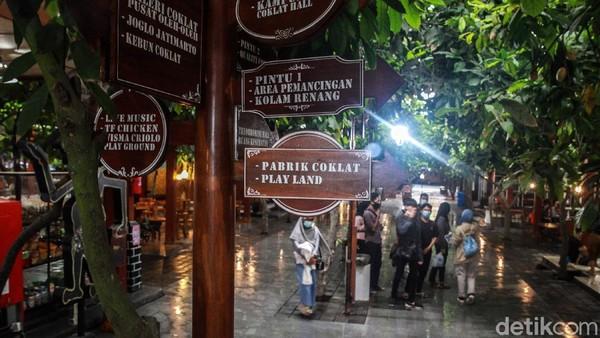 Wisata Edukasi yang berdiri sejak 17 Agustus 2014 ini memiliki harapan mampu memberikan pengetahuan tentang budi daya tanaman kakao hingga pengolahan coklat.