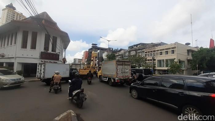 Kemacetan akibat LEZ Kota Tua sampai Glodok, 15 Februari 2021. (Afzal NI/detikcom)