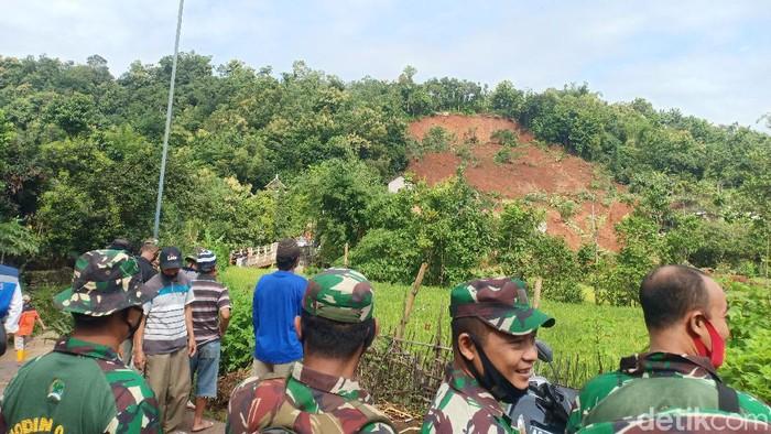 Longsor di Nganjuk Tewaskan 2 Orang, 18 Terluka Dan 21 Orang Hilang