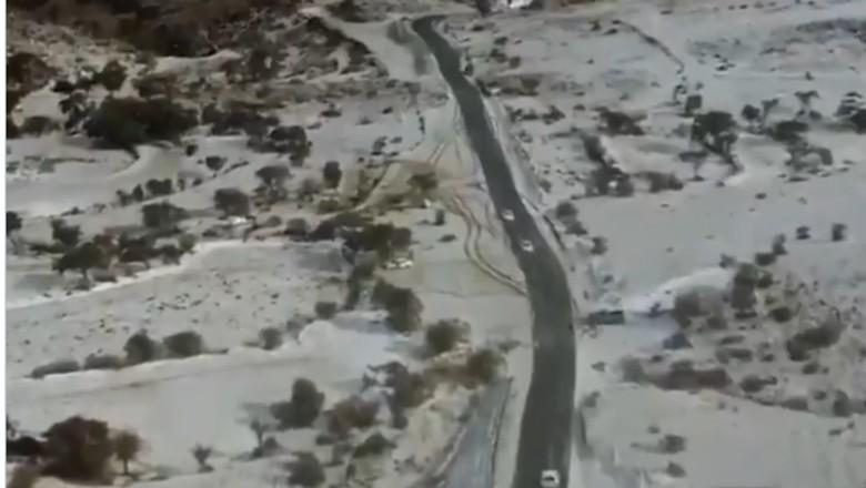 Salju di Kota Tabab, Arab Saudi