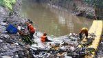 Cegah Banjir, Sampah di Kali Krukut Dibersihkan