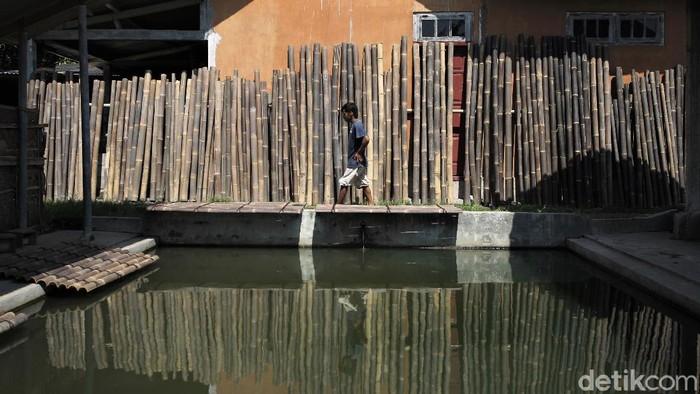Kerajinan panel bambu di Bantul ini tak hanya dipasarkan di Indonesia, tetapi juga telah dipasarkan ke berbagai negara di Eropa dan Amerika lho. Penasaran?