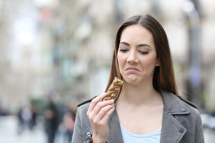 Makanan Terasa Aneh Di Mulut? Hati-Hati, Bisa Jadi Gejala COVID-19!