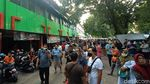 Saat Petugas Padamkan Kebakaran di Pasar Kliwon Kudus