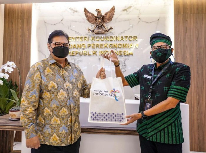 Sandiaga Uno Bertemu Airlangga Hartarto di Jakarta, Selasa (16/2/2021).