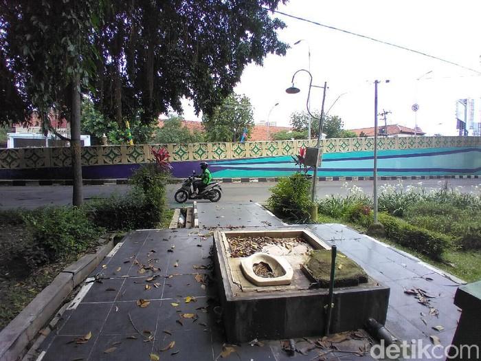 Toilet tanpa dinding di Taman GOR Manahan, Solo, Selasa (16/2/2021).