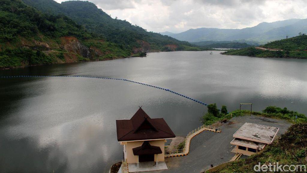 Resmikan Bendungan Tapin, Jokowi: Penting dalam Pengendalian Banjir