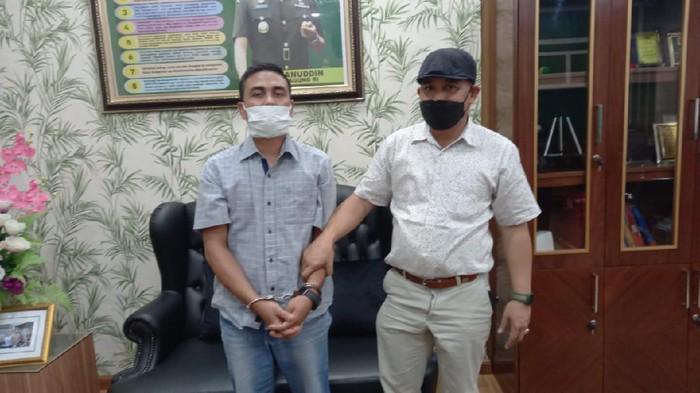 Buronan kasus dugaan korupsi Dana Desa Kampung Rantau Bintang, Aceh Tamiang, Aceh, ditangkap tim Kejati Sumut (dok Istimewa)