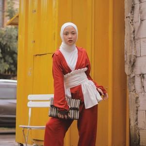 4 Gaya Hijab Nissa Sabyan, Vokalis Cantik Sabyan Gambus yang Jadi Atensi