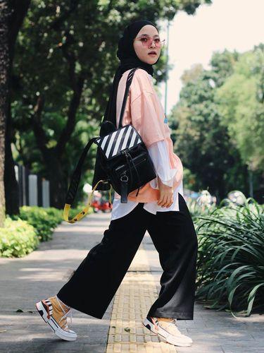 Gaya hijab Nissa Sabyan.